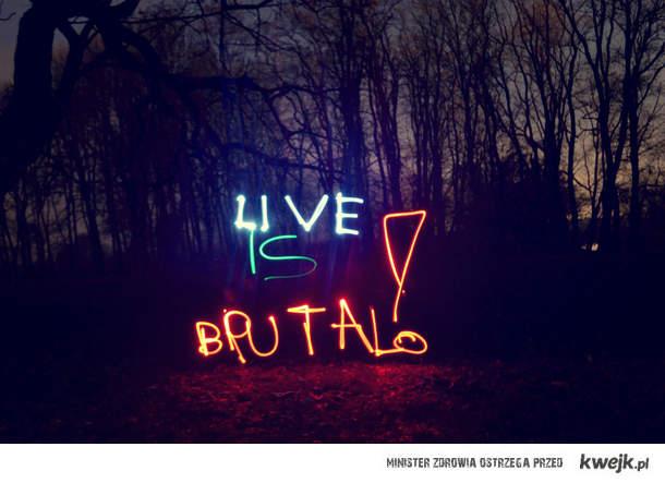 live is brutal - pismo nocne