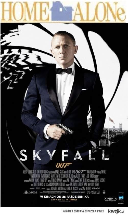 James Bond sam w domu