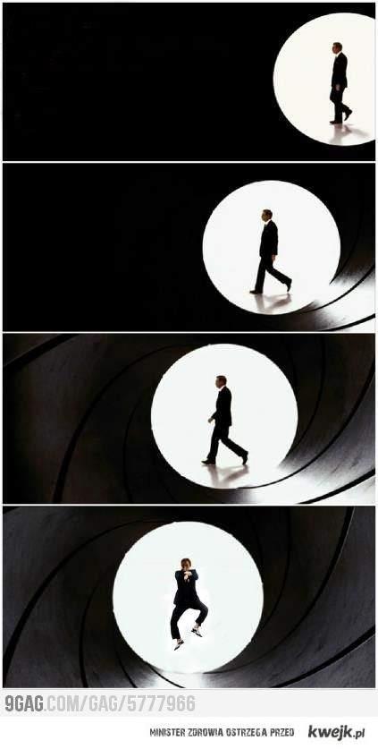 James Bond....czekaj...Co?!