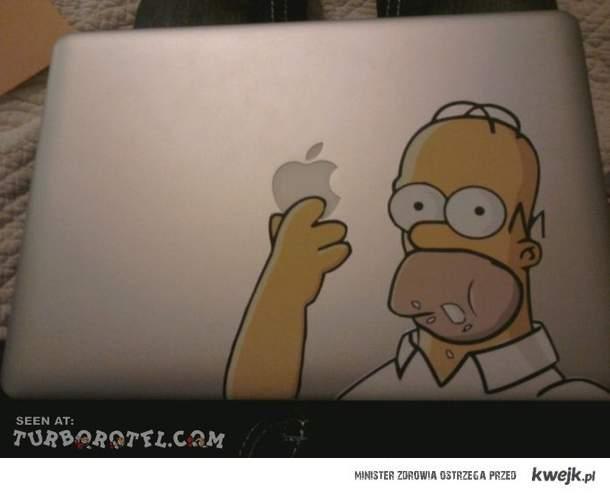 Simpson jedzący logo appla
