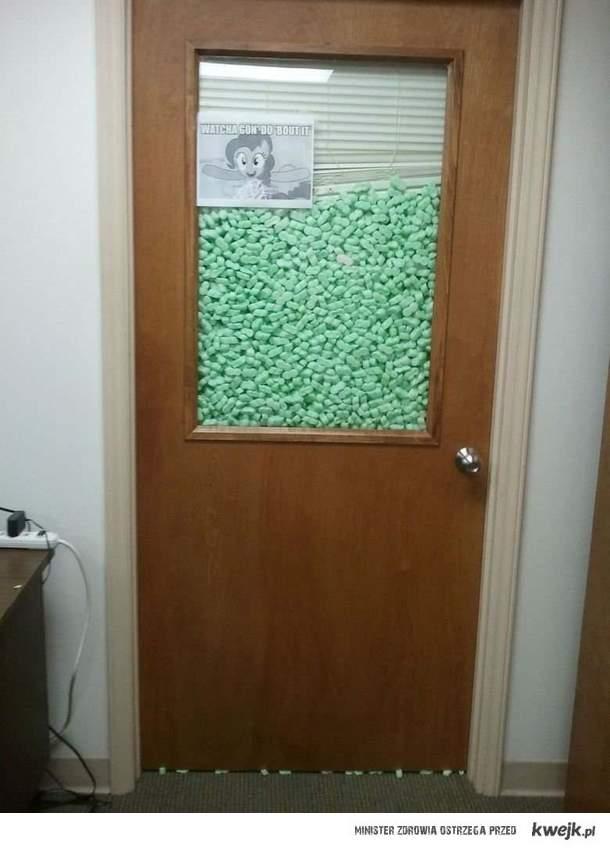humor biurowy