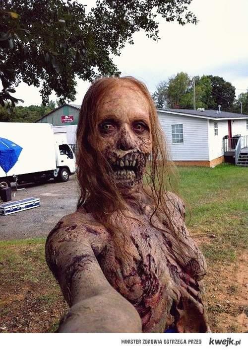 zombie focia z rączki !