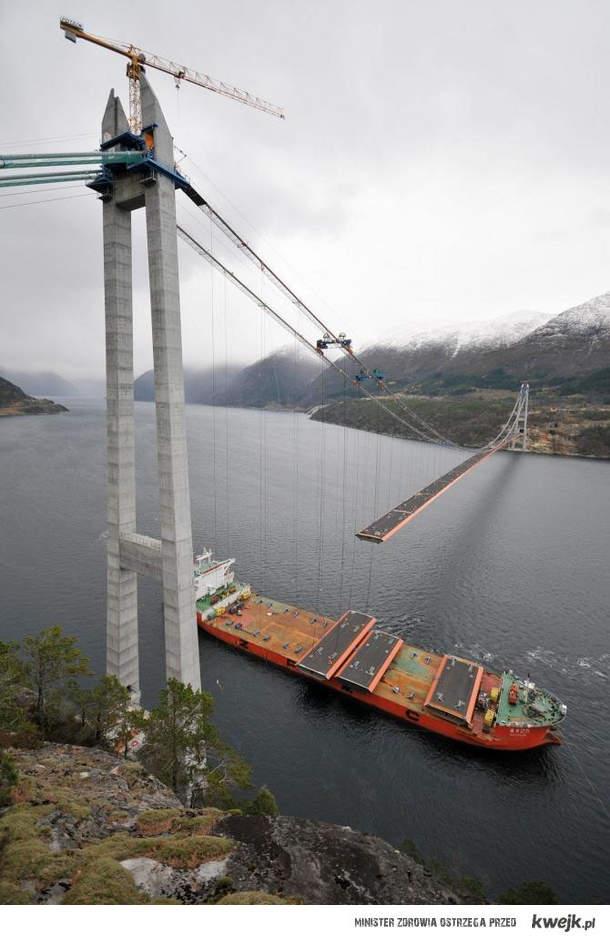 budowa mostu norway sky