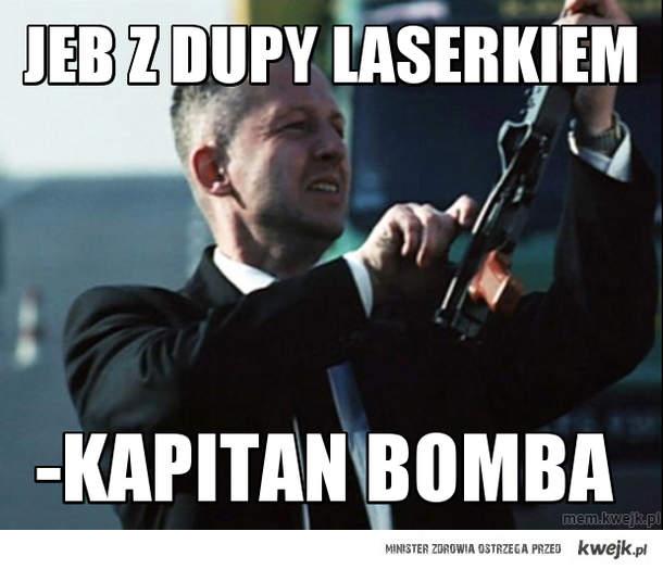 JeB z dupy laserkiem