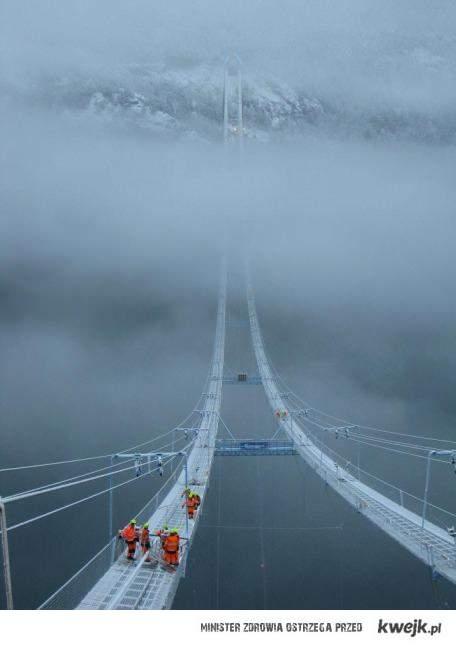 Budowa mostu w Norwegii