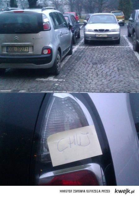 wuj na parkingu (ostatnie wolne miejsce)