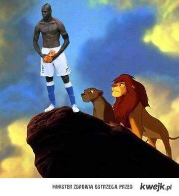 Balotelli król lew