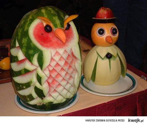 niesamowita sztuka wykonana z owoców