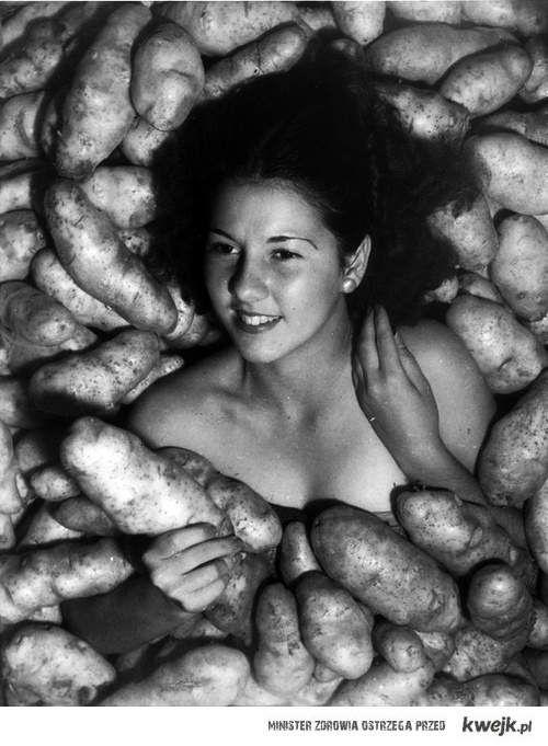 Artystyczne zdjęcie w ziemniakach