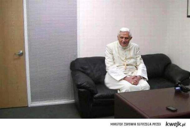 Taki jeden koleś czeka na wywiad...