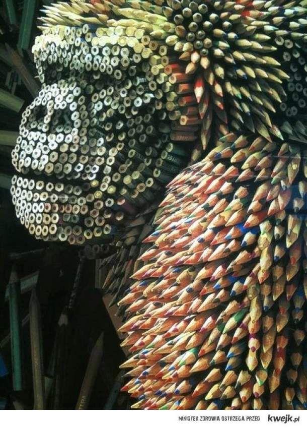 Goryl z ołówków i kredek