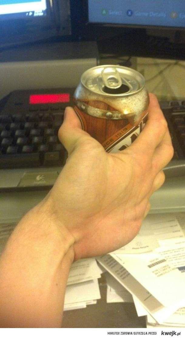 dziwna ręka