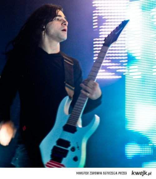 Skrillex gitarzysta