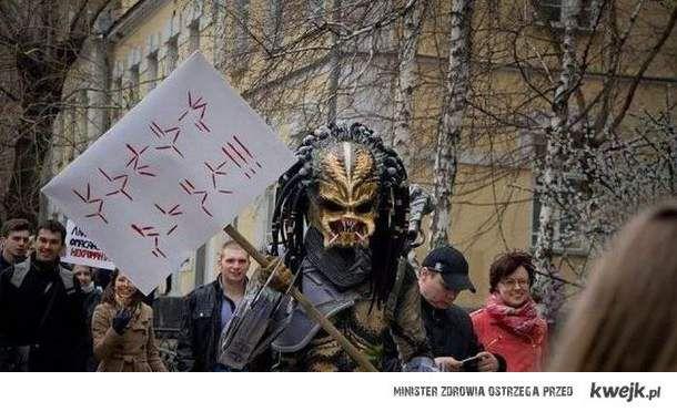 Predator protestuje