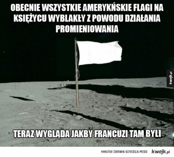Flaga na księżycu
