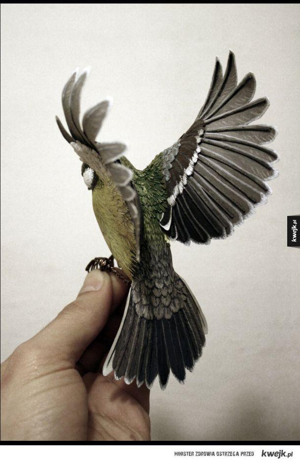 Papierowe ptaki, które wyglądają jak żywe