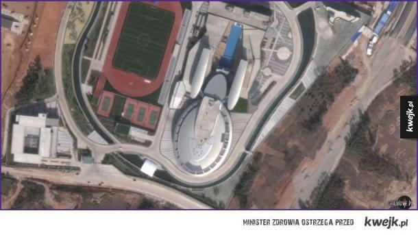 Budynek w Chinach, który wygląda jak USS Voyager ze Star Treka