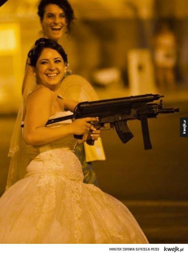 Fajnie mieć śmieszne zdjęcia ze ślubu