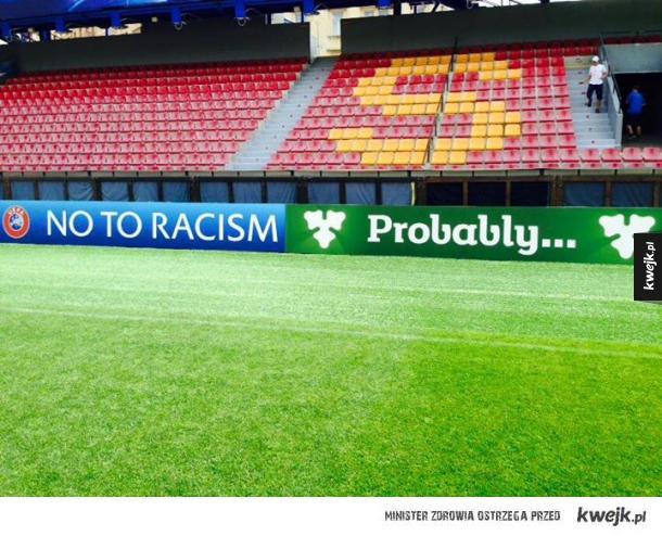 Tymczasem na stadionie...