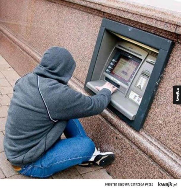 Garść faili budowlanych, część I - bankomat, szkoła, drzwi, dach, apteka
