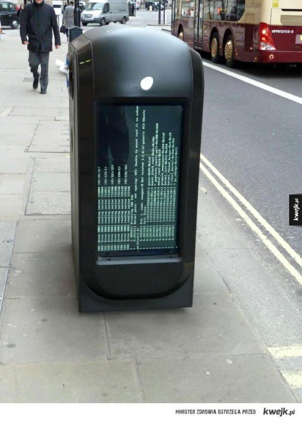 Wadą nowych technologii jest to, że śmietnik  może ci się zawiesić...