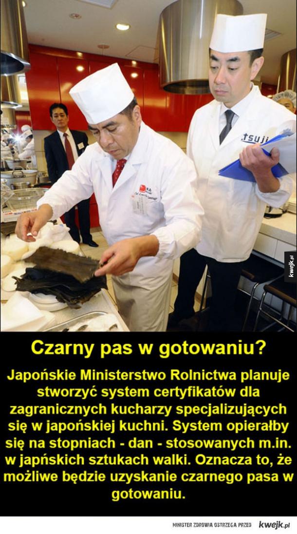 Czarny pas w robieniu sushi