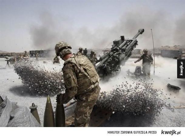 Wojskowe zdjęcia zrobione w idealnym momencie