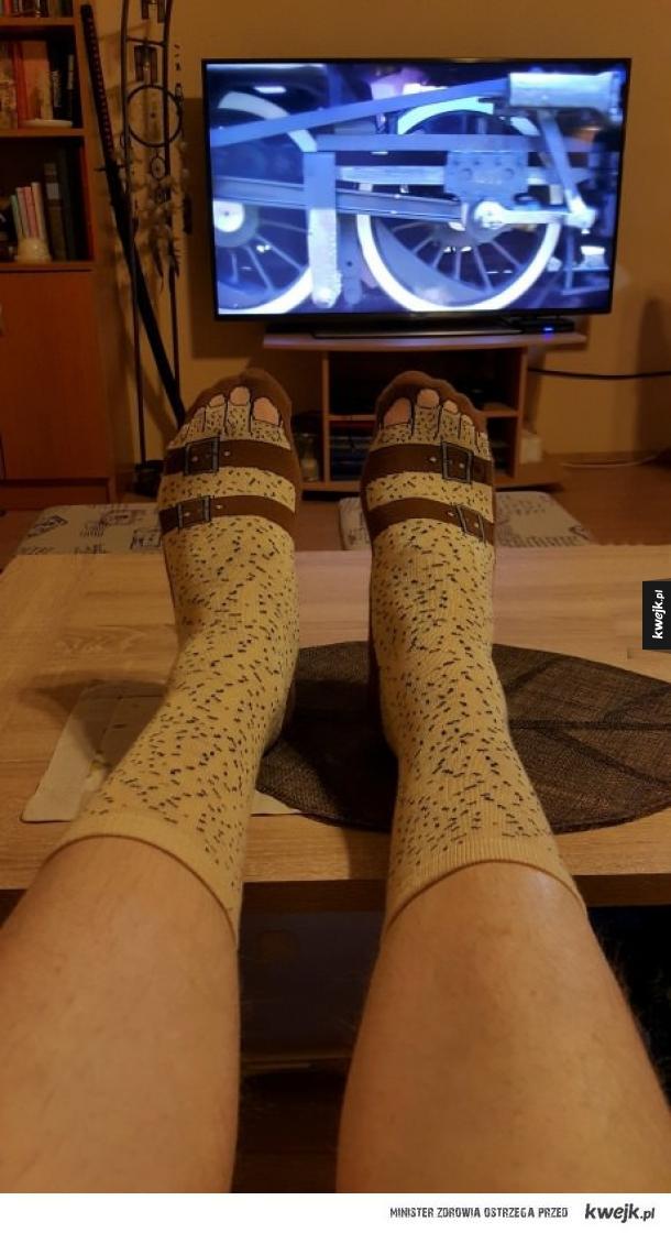 Skarpetki z sandałami