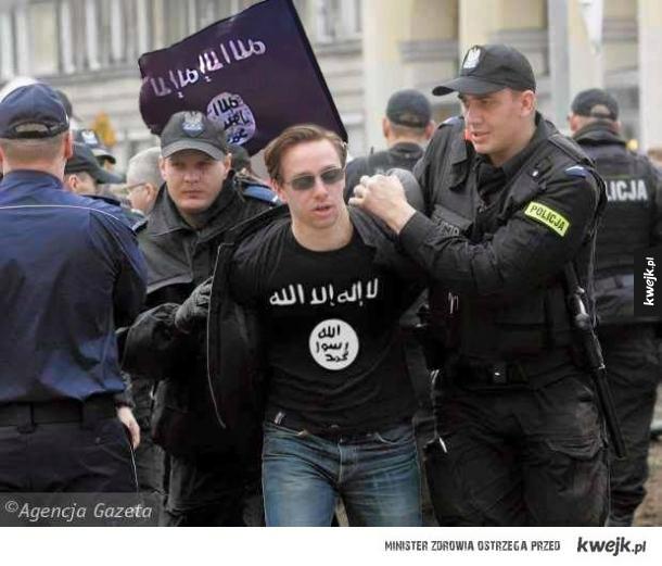 Policja zatrzymuje pierwszych islamskich imigrantów podejrzanych o współpracę z ISIS