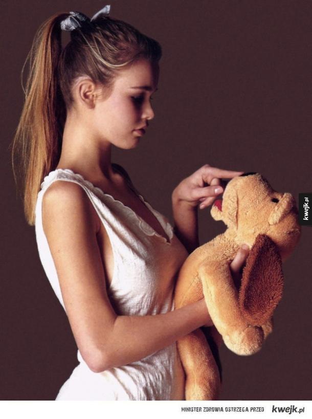 17-letnia Claudia Schiffer