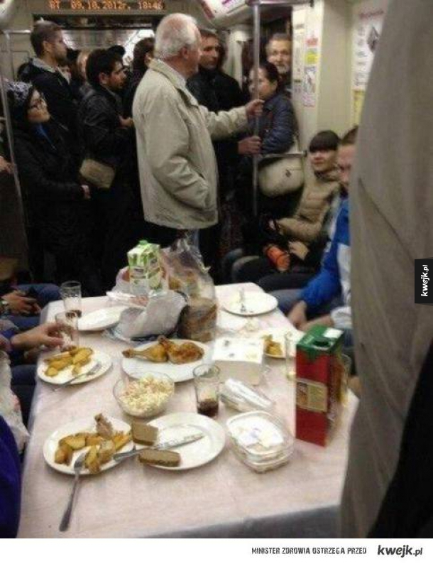 Obiad w metrze