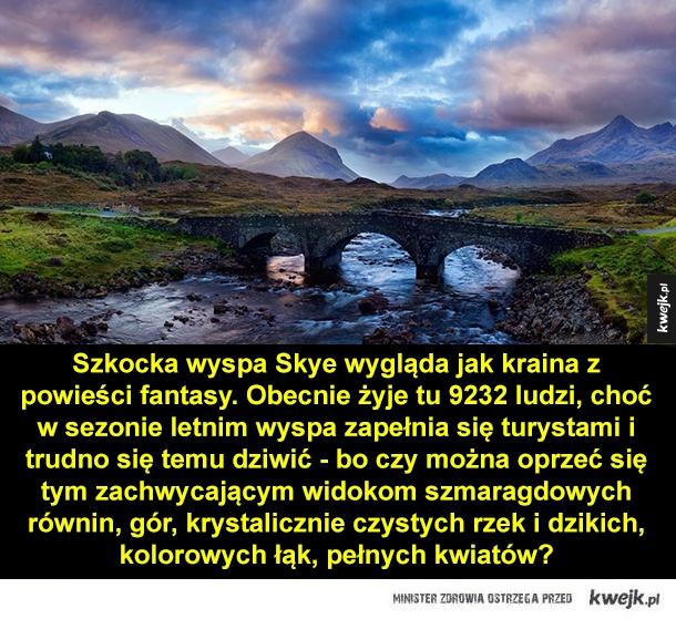 Zjawiskowa wyspa Skye - Szkocka wyspa Skye wygląda jak kraina z powieści fantasy. Obecnie żyje tu 9232 ludzi, choć w sezonie letnim wyspa zapełnia się turystami i trudno się temu dziwić - bo czy można oprzeć się tym zachwycającym widokom szmaragdowych równin, gór, krystalicznie c