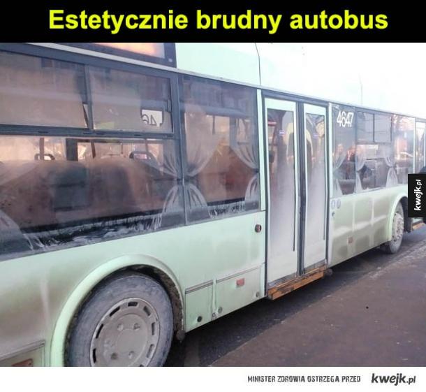 Estetycznie brudny autobus