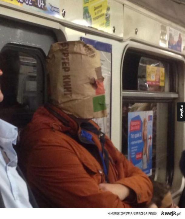 Moda prosto z petersburskiego metra