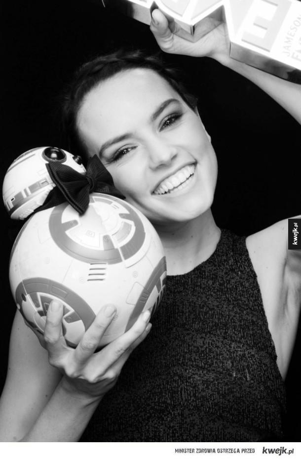 Daisy Ridley i BB-8