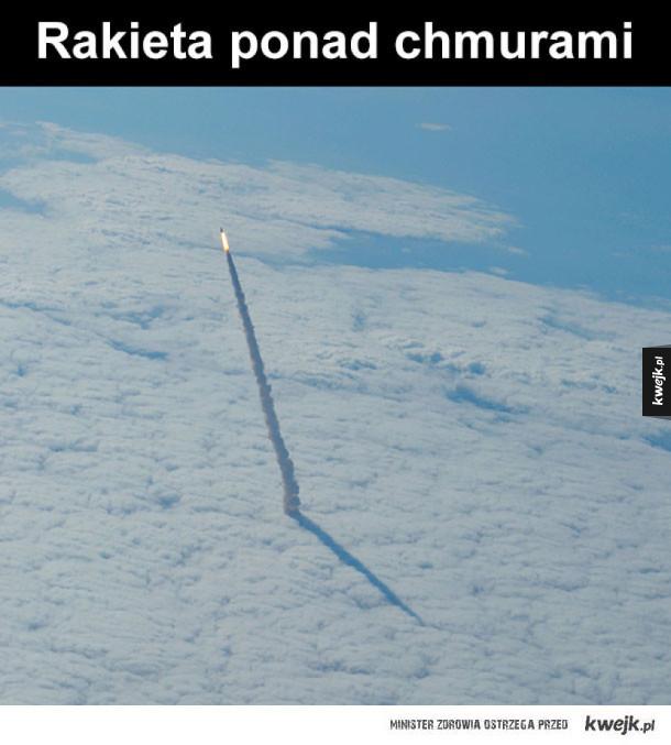Rakieta - Ciekawy wirok rakiery nad chmurami