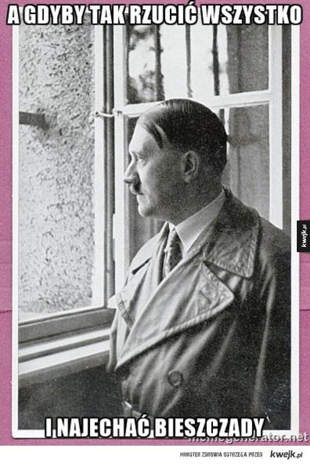 Hitler rozmyśla sobie