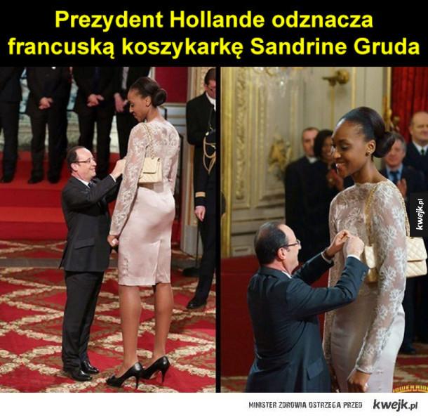 Prezydent Hollande odznacza  francuską koszykarkę Sandrine Gruda