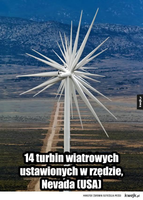 Nice - 14 turbin wiatrowych  ustawionych w rzędzie,  Nevada (USA)