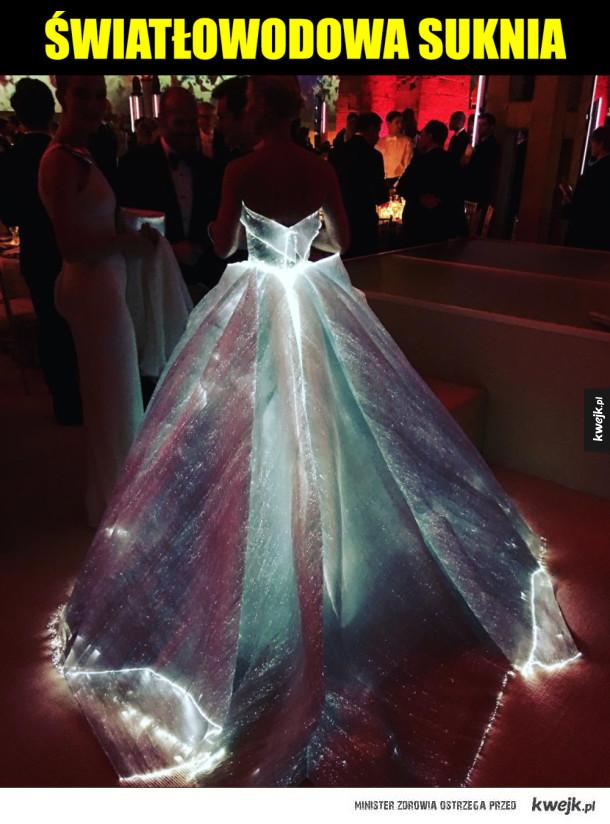 Suknia - Światłowodowa suknia