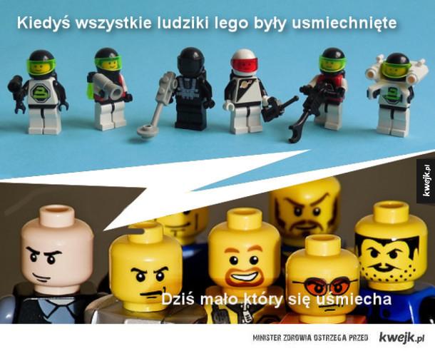 Kiedyś wszystkie ludziki lego się usmiechały