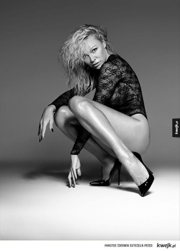 Prawie 50-letnia Pamela Anderson w reklamie bielizny Coco de Mer