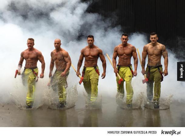 Strażacy z okazji dnia strażaka