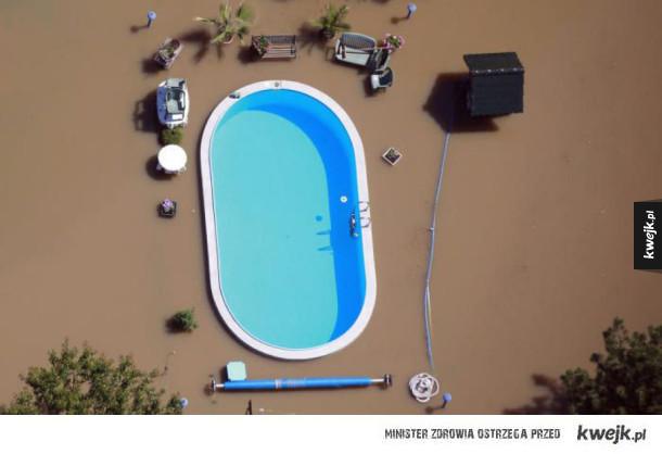 Basen podczas powodzi