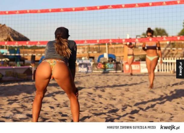 Oto dlaczego wszyscy kochają siatkówkę plażową