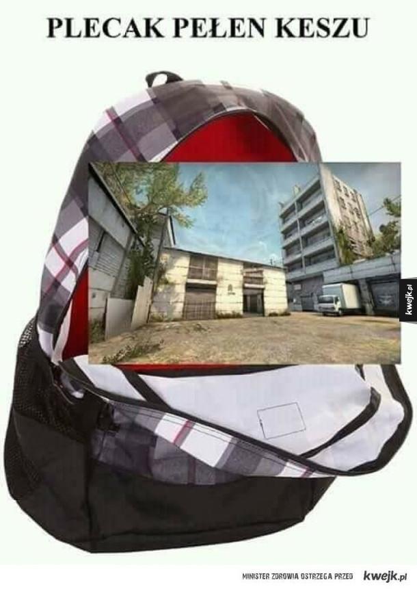 Plecak pełen keszu
