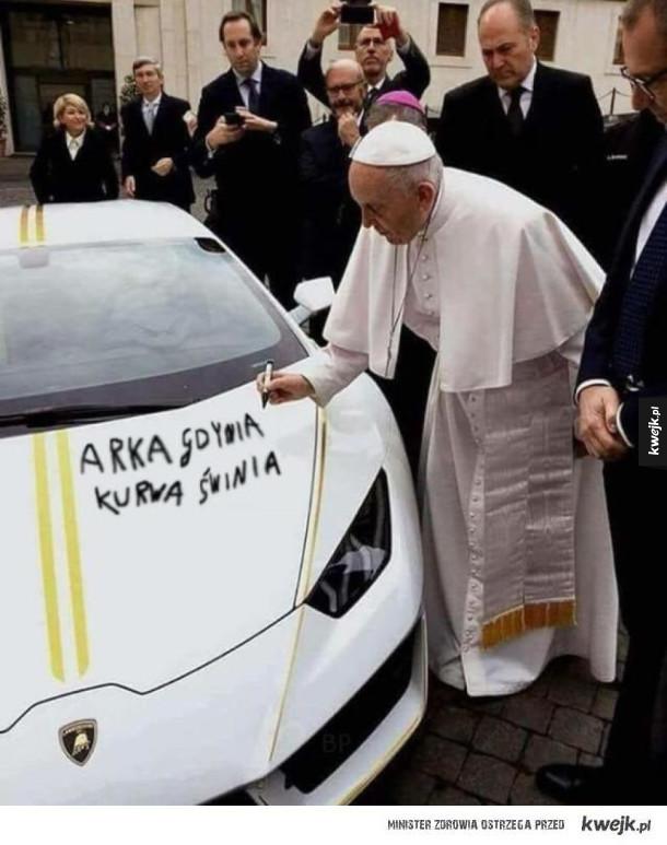 Papież podpisał samochód