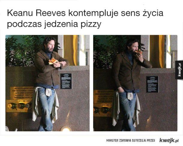 Keanu Reeves robi różne rzeczy