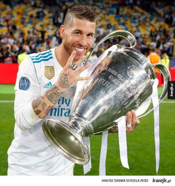 Ramos ze swoim pucharem