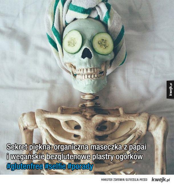 Skellie - szkielet parodiujący influencerki i modelki z Instagrama
